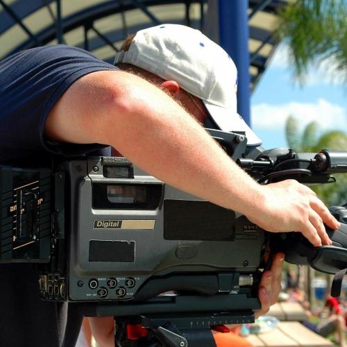 news-cameraman
